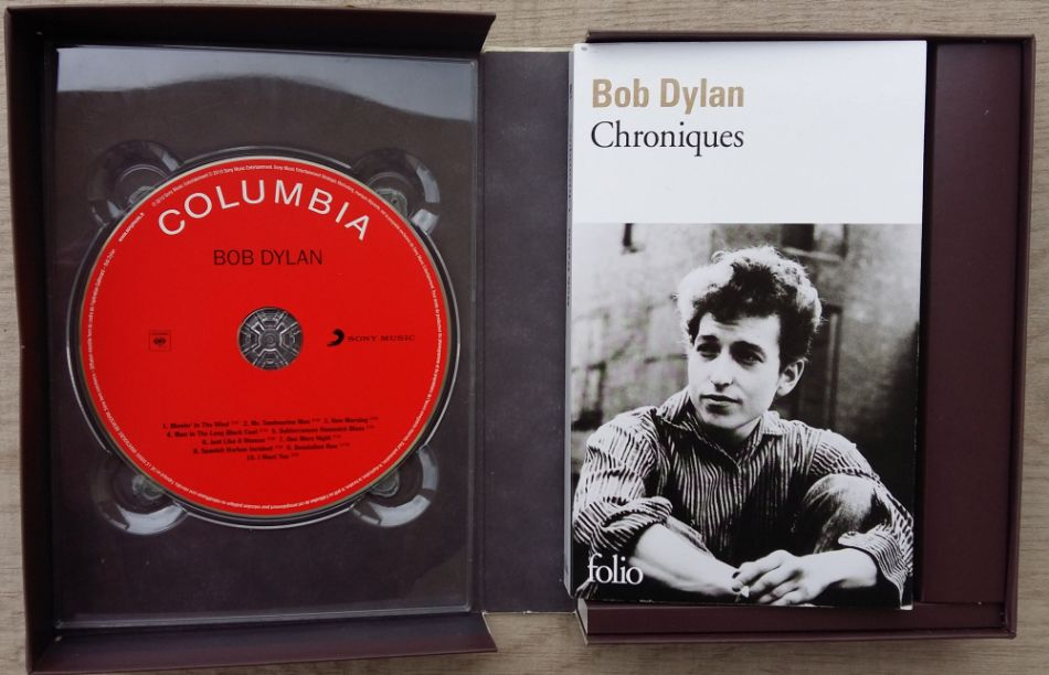 bob dylan chronicles gallimard book in French with cd open box