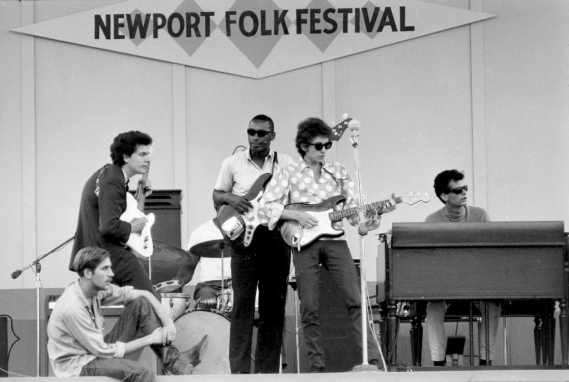 dylan newport 1965 on stage